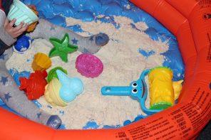 DIY: Magischer Spielsand für die Wohnung selber herstellen