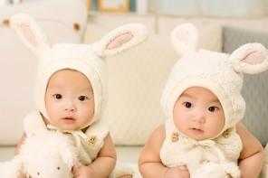 Begrüßungspakete und Babyclubs für Zwillinge